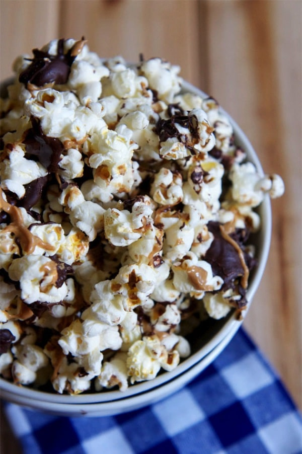 Chocolate-Peanut-Butter-Popcorn1.jpg
