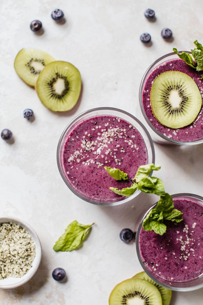 Blueberry Kiwi Protein Smoothie | thealmondeater.com