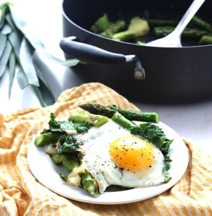 One Pan Asparagus Egg Bake 5