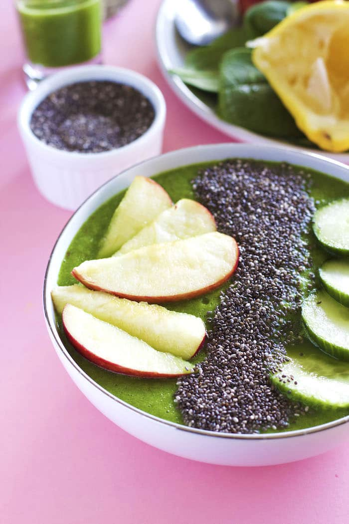 Nourishing and refreshing, this detox smoothie bowl is a tasty way to eat your greens! | thealmondeater.com