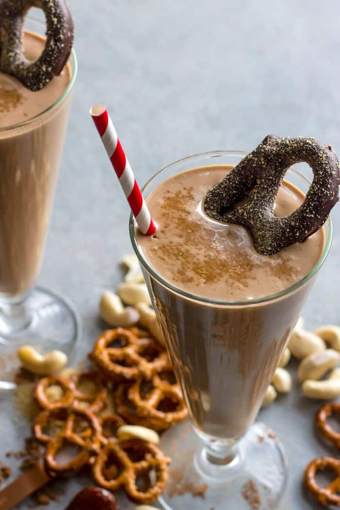 A salty and sweet chocolate covered pretzel smoothie #dairyfree