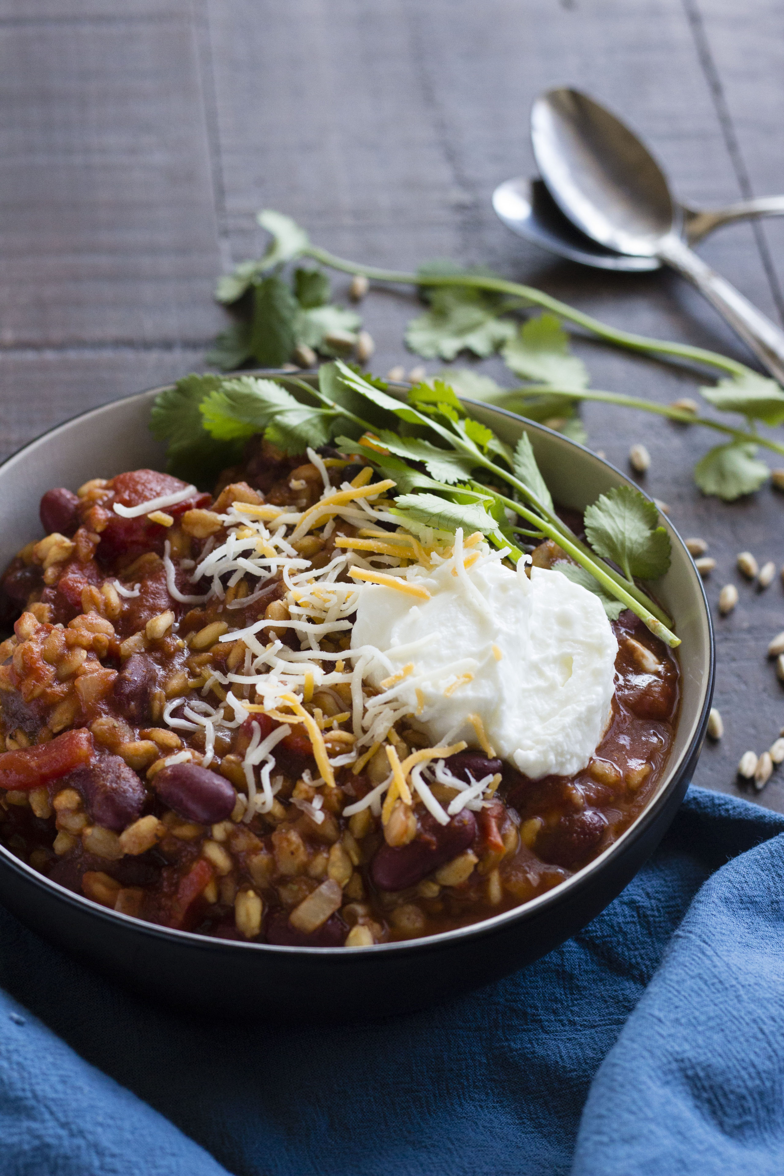 Easy Farro Chili | Vegetarian chili with farro & beans made in your slow cooker!