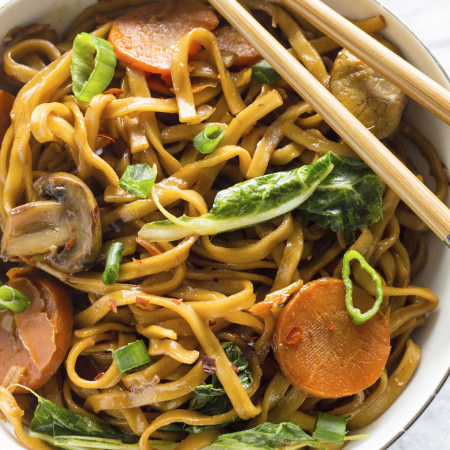 ONE PAN noodle dish full of spicy flavor!   thealmondeater.com