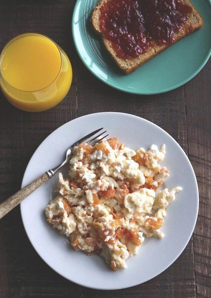 Feta and Tomato Egg Scramble | A simple & healthy breakfast!