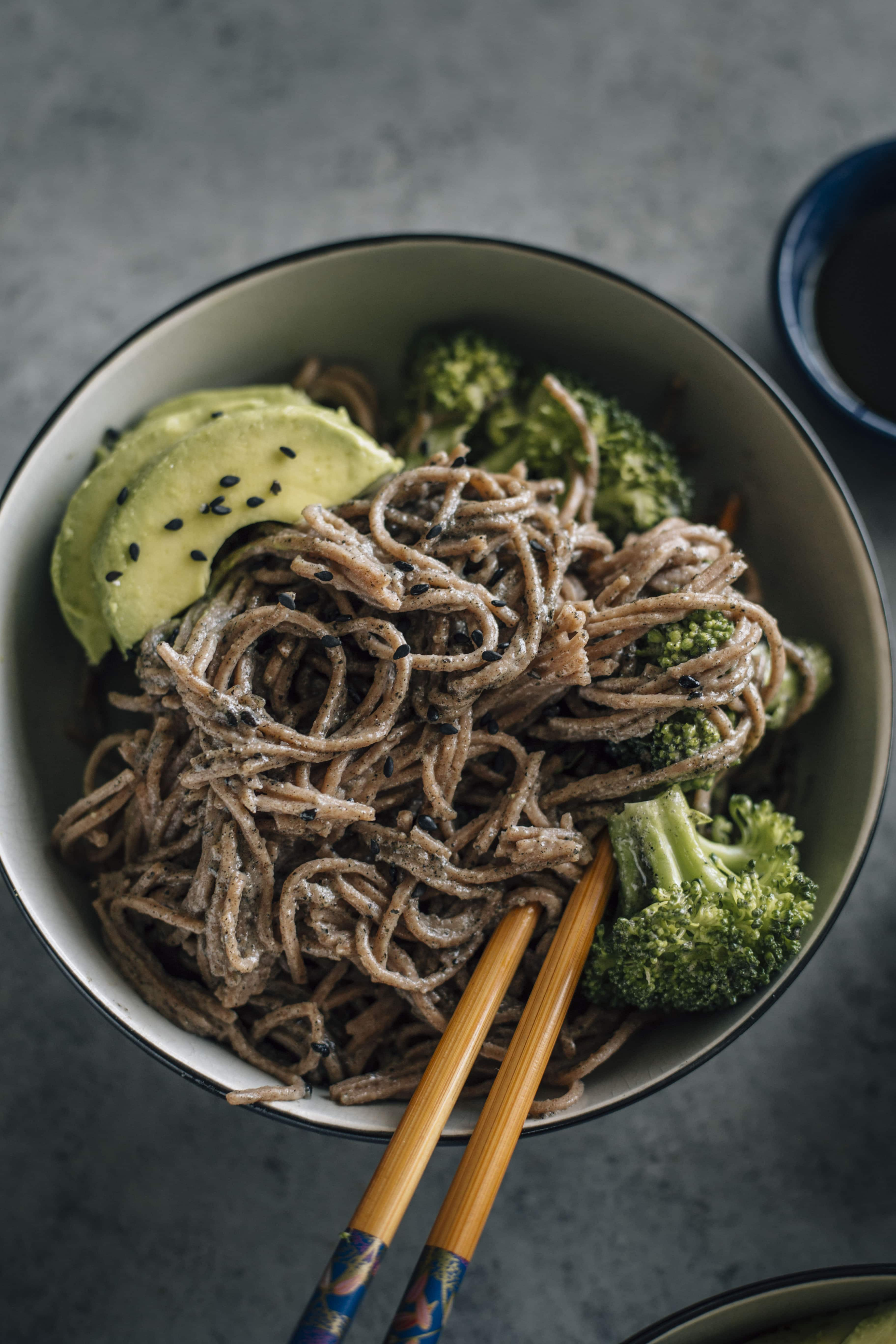 Black Sesame Soba Noodles | Noodles marinated in tahini and a sesame sauce that have a sweet kick to them | thealmondeater.com
