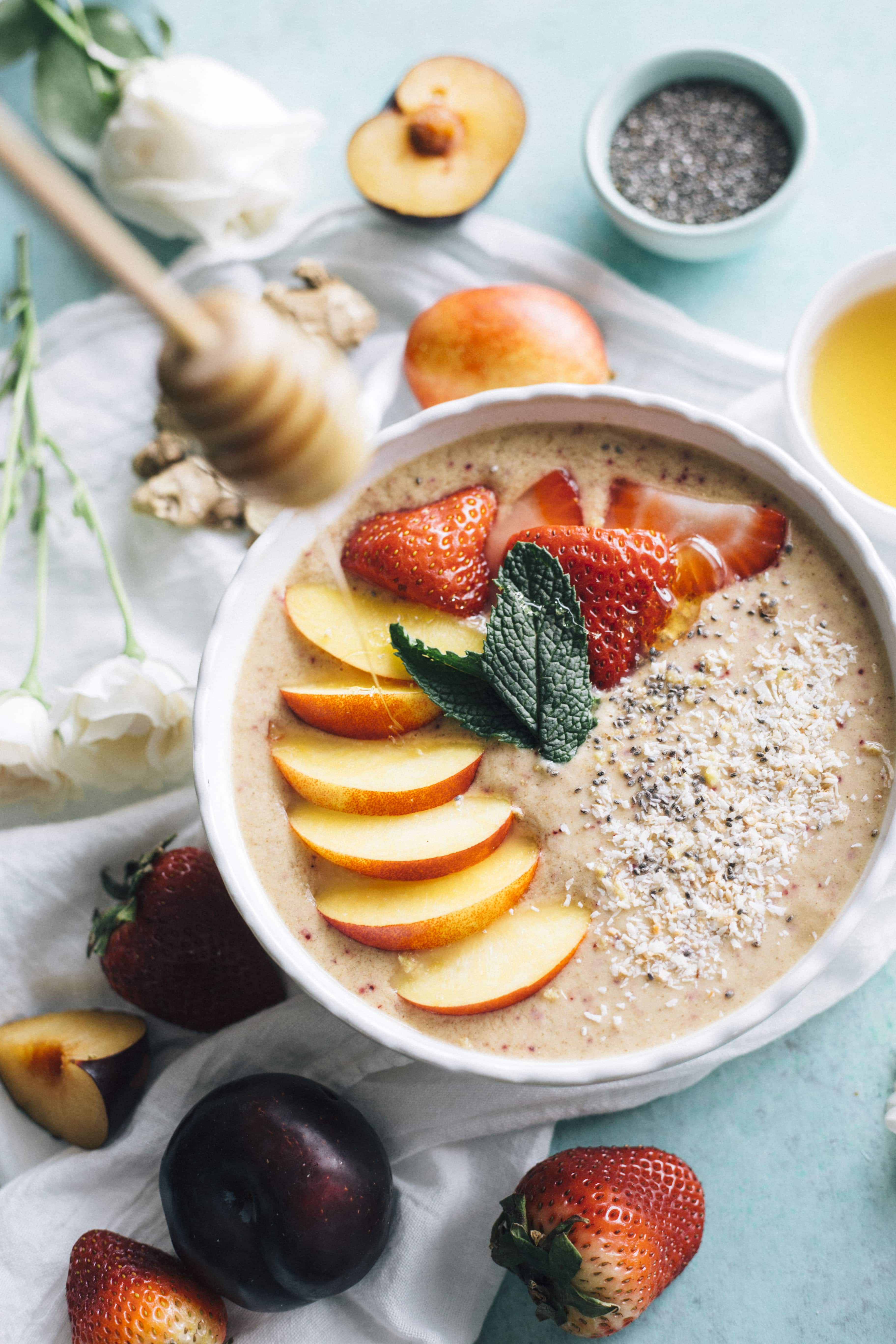 Nectarine Ginger Smoothie Bowl | Put those nectarines to good use by whipping up this HEALTHY smoothie bowl!