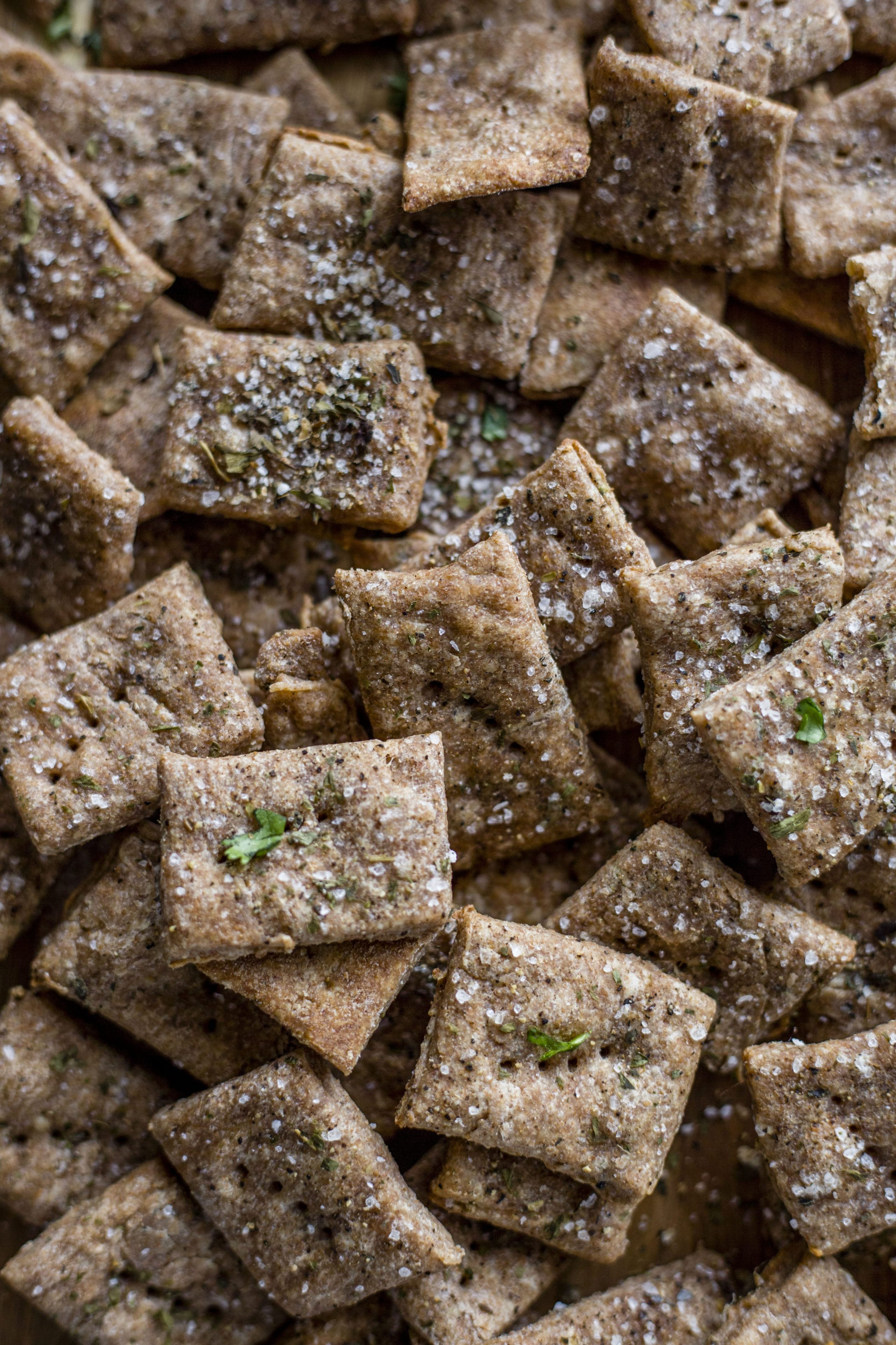 Whole Wheat Crackers   Healthy crackers made with simple ingredients and ready in 30 minutes!