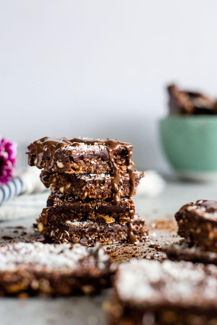 Coconut Mocha Quinoa Bars | Healthy dessert bars filled with coconut and QUINOA | thealmondeater.com