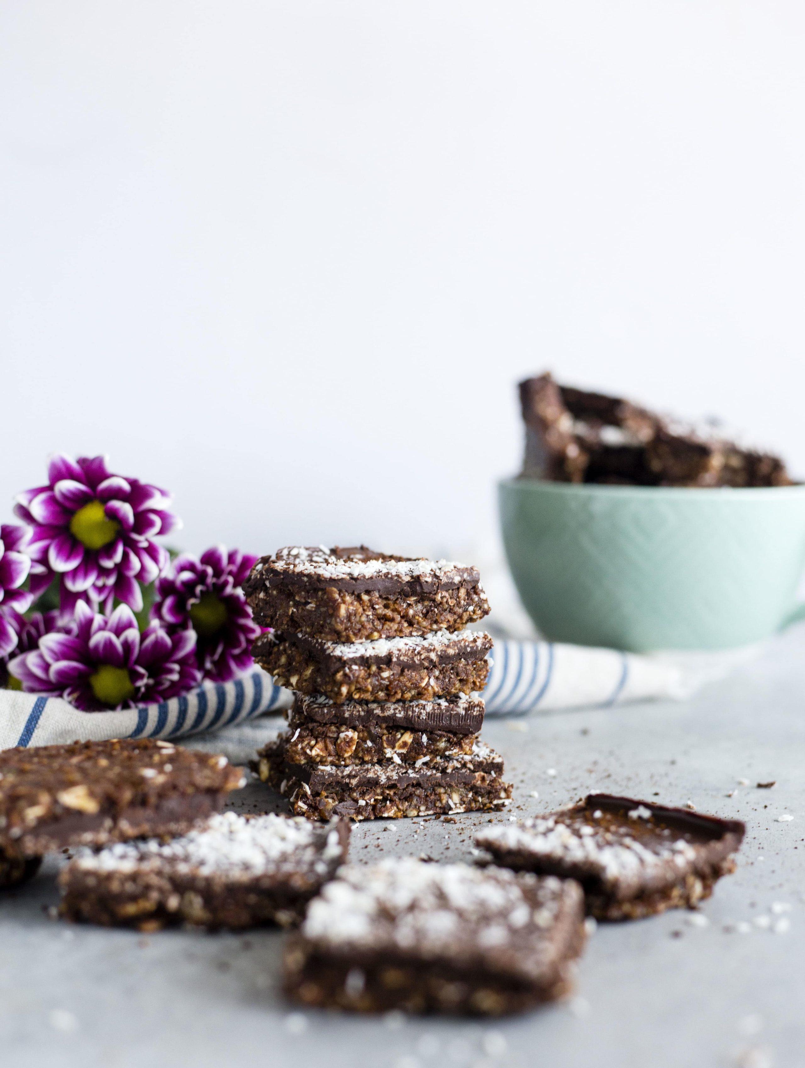 Coconut Mocha Quinoa Bars | Healthy dessert bars filled with coconut, coffee and QUINOA | thealmondeater.com