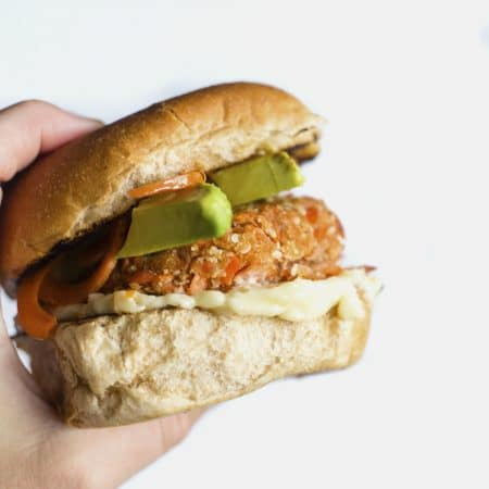 Sesame Salmon Burgers | Enjoy this burger variation made with SALMON, toasted sesame oil and breadcrumbs | thealmondeater.com