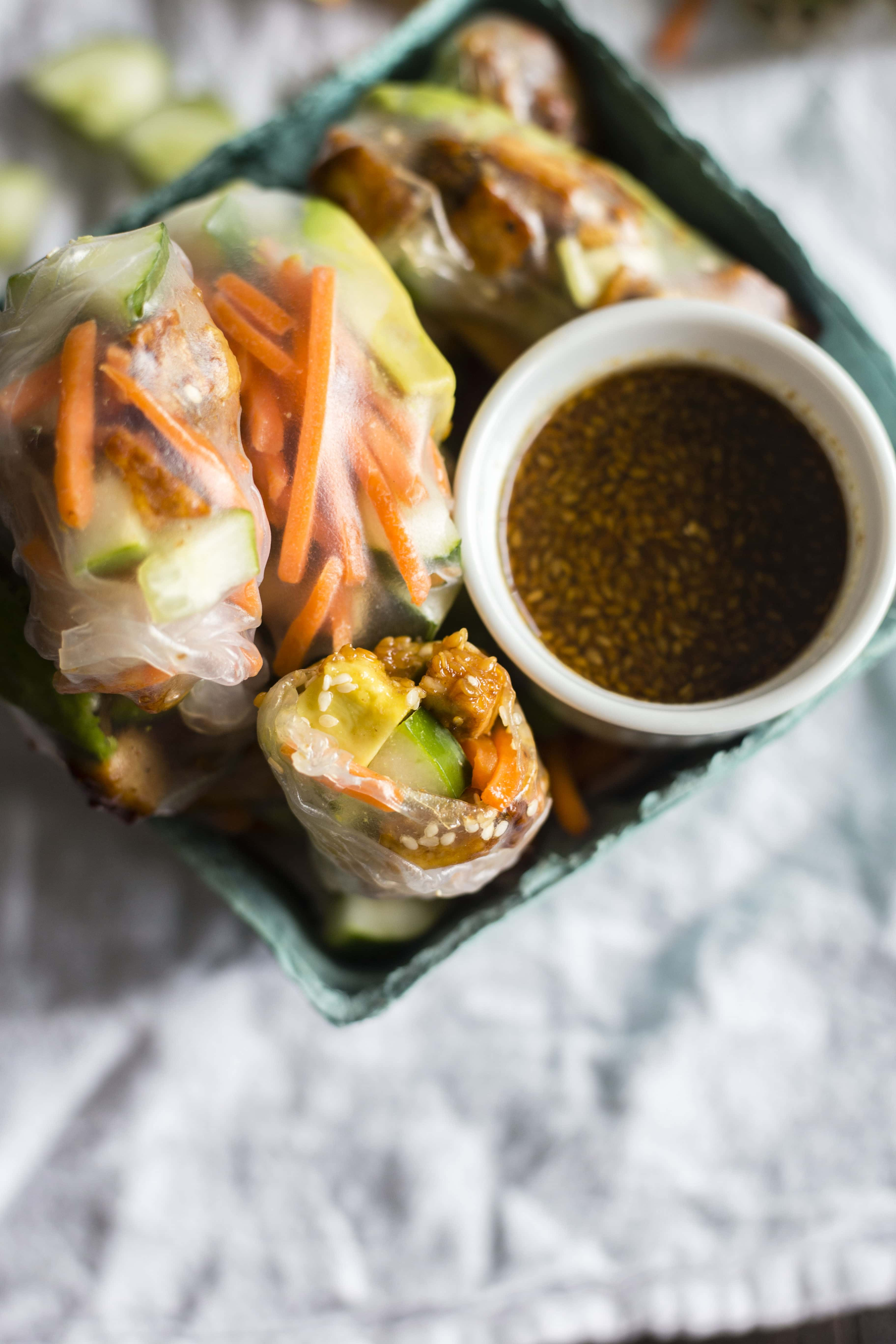 Sesame Tofu Spring Rolls | spring rolls filled with sesame oil-marinated tofu, cucumbers, carrots, and avocado! #vegan