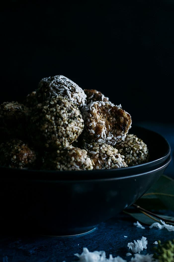 Salted Caramel Coconut Balls | These guilt-free coconut balls are a perfectly sweet, bite-size snack! | thealmondeater.com