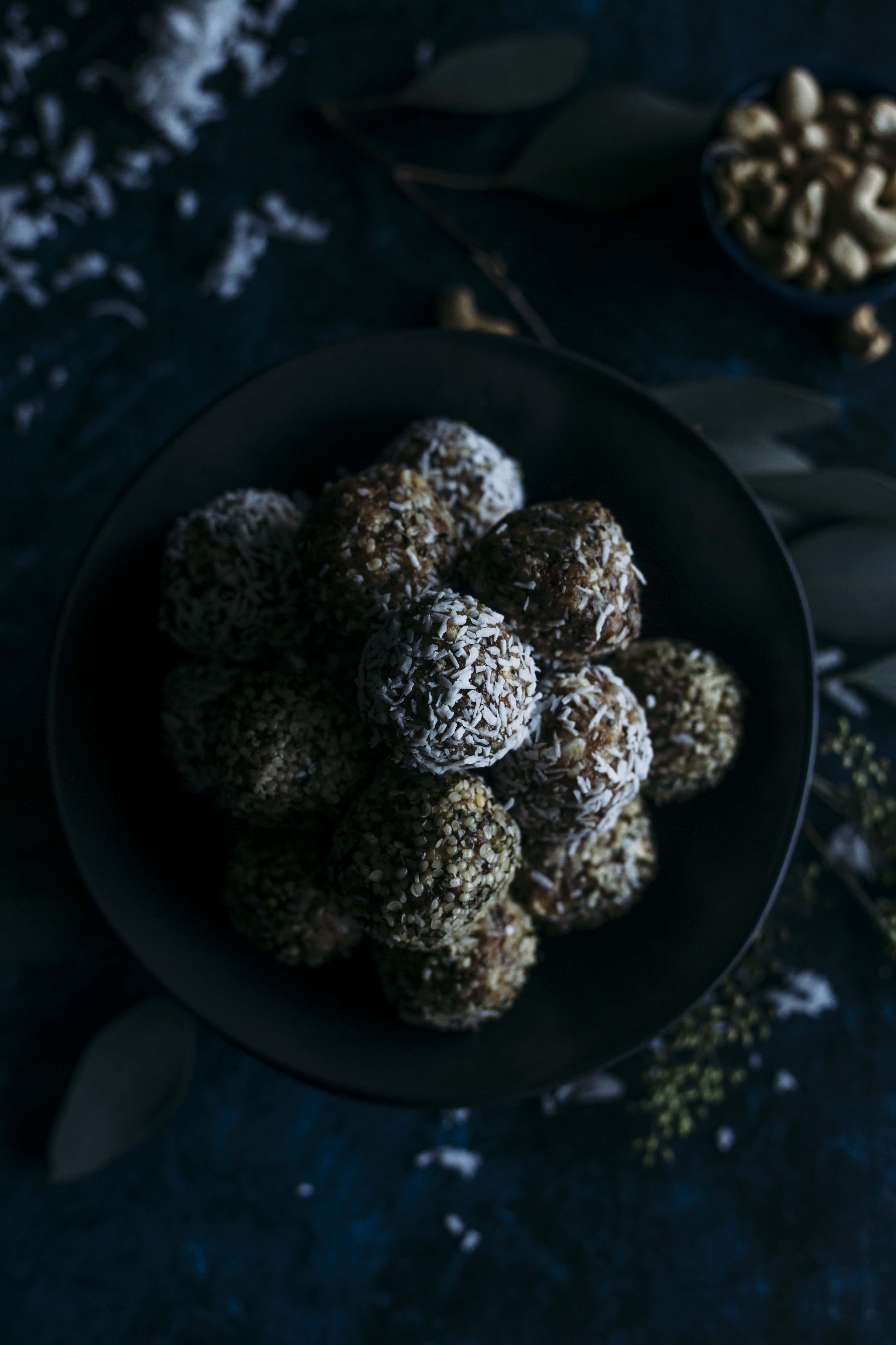 Salted Caramel Coconut Balls | These guilt-free balls are a perfectly sweet and portable snack | thealmondeater.com