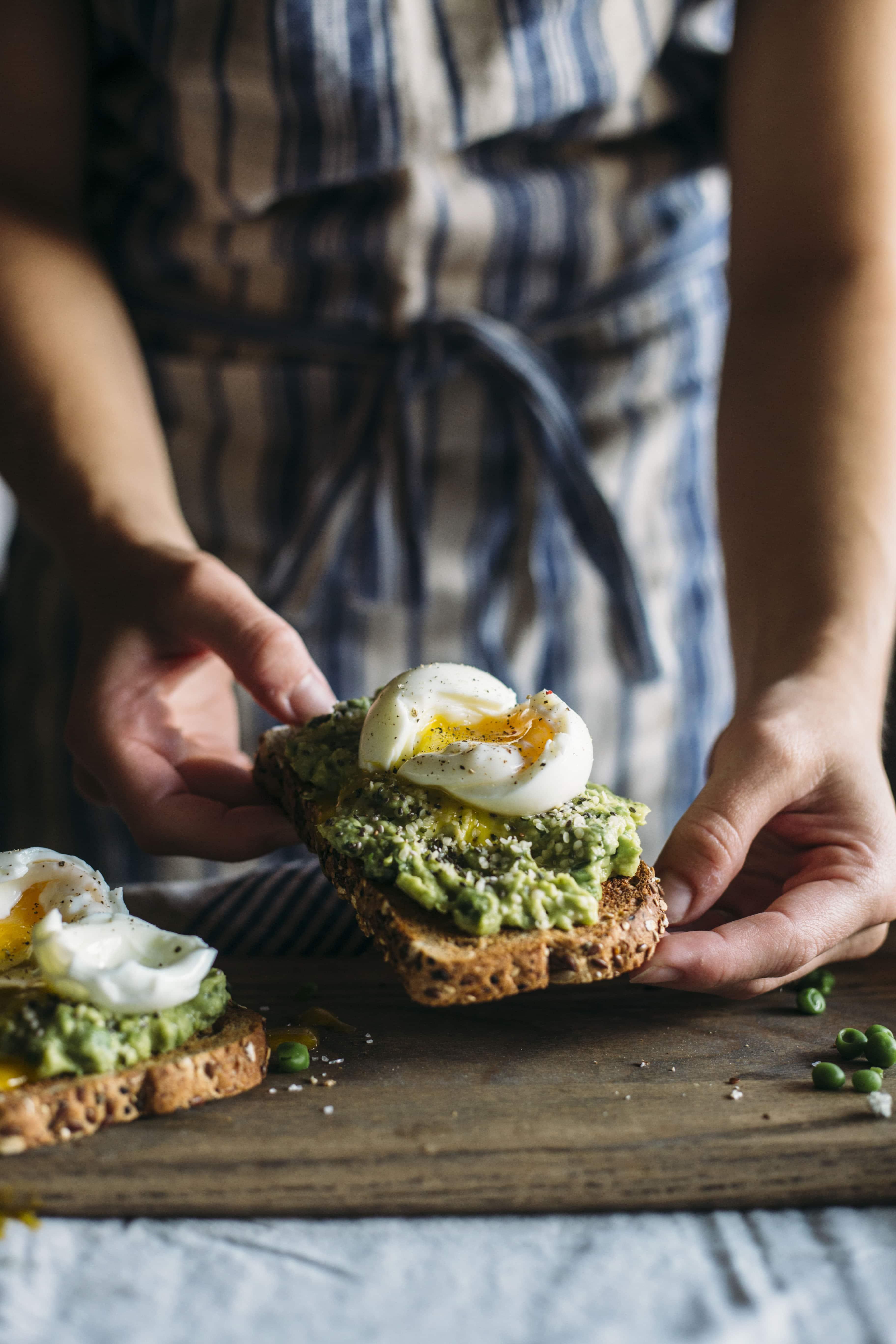 Superfood Toast | Toast topped with avocado pea mash and superfoods like hemp seeds!