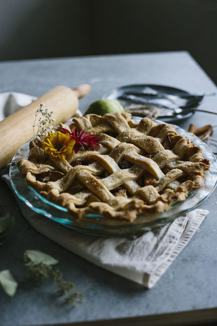 Vegan Pear Pie | A delicious pie filled with chai spice-flavored pears