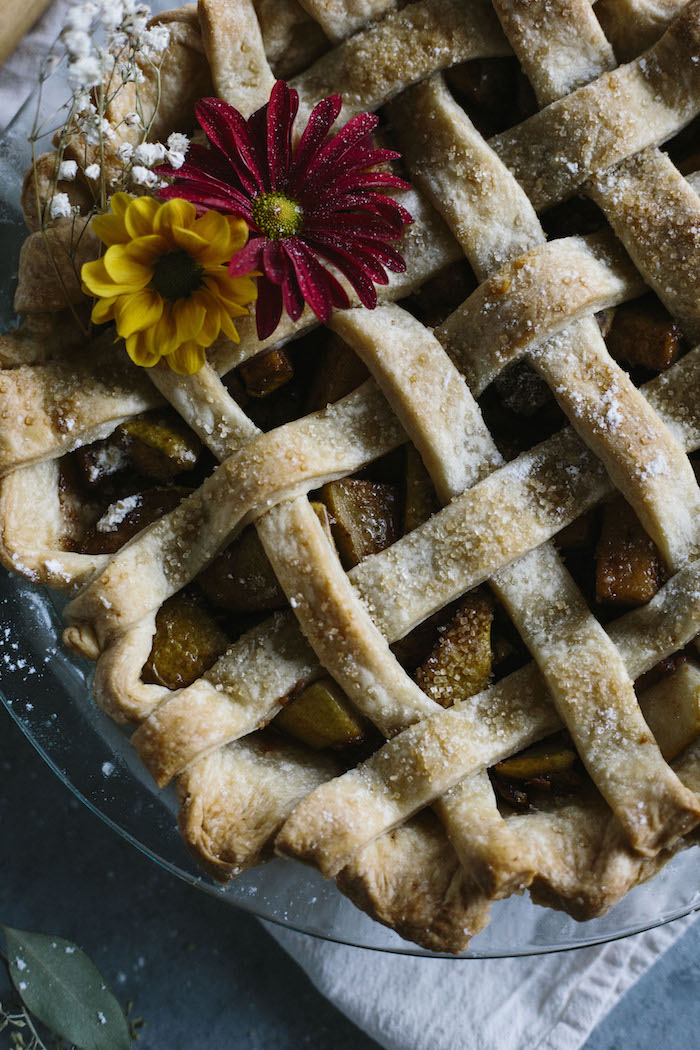 Vegan Pear Pie | A delicious pie filled with chai spice-flavored pears | thealmondeater.com