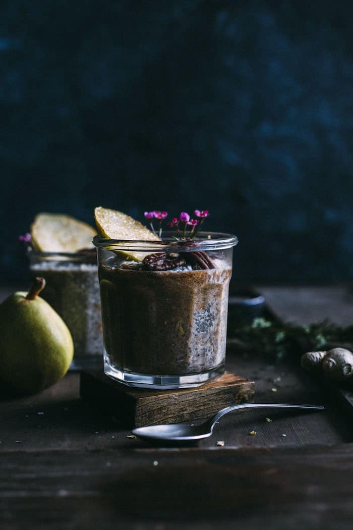 Pear Ginger Chia Pudding | Healthy chia pudding made with fresh ginger and blended pears with cinnamon | thealmondeater.com