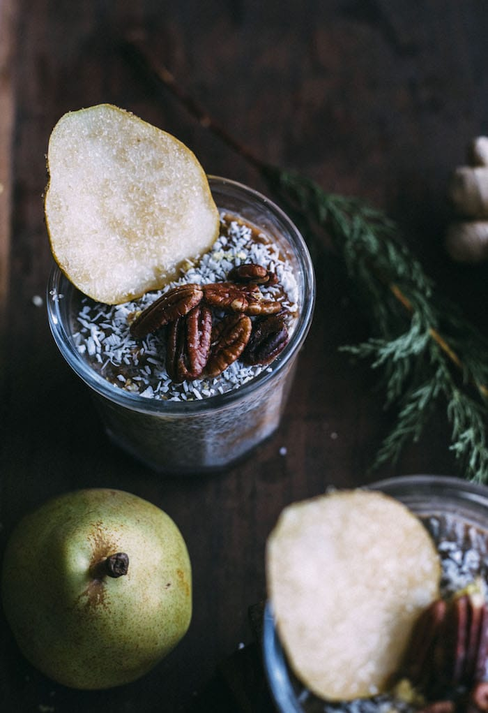 Pear Ginger Chia Pudding | Healthy chia pudding made with fresh ginger and blended pears+cinnamon | thealmondeater.com