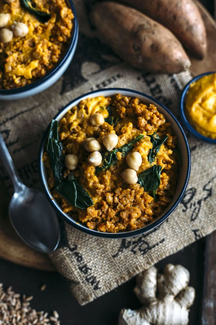 Curry Farro combines with mashed sweet potatoes for a tasty side dish | thealmondeater.com
