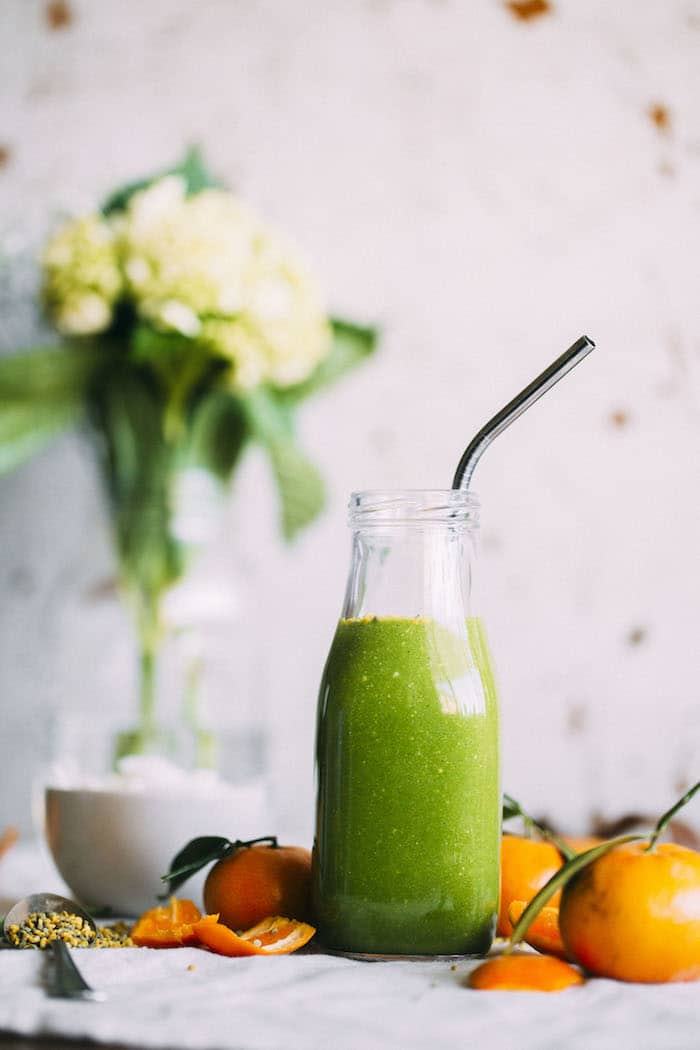 Honey Citrus Morning Green Smoothie | thealmondeater.com