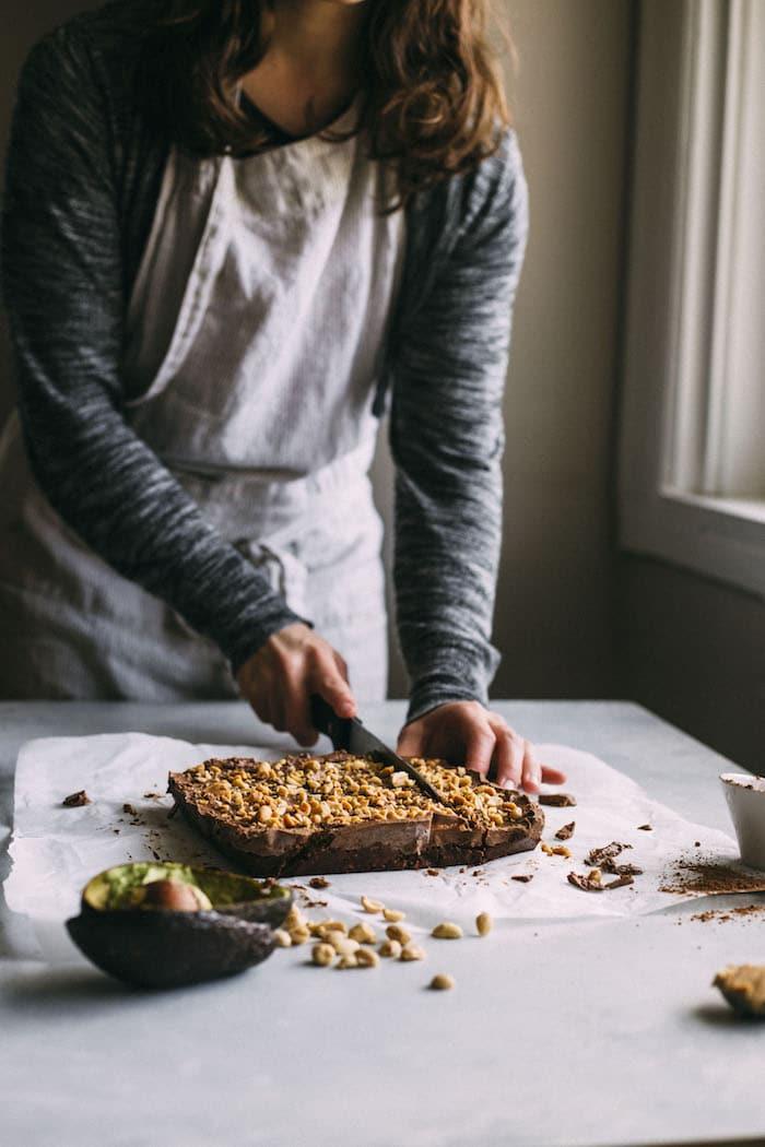 chocolate peanut butter avocado brownies | thealmondeater.com