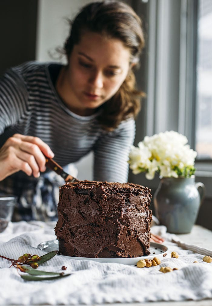 vegan nutella cake | thealmondeater.com