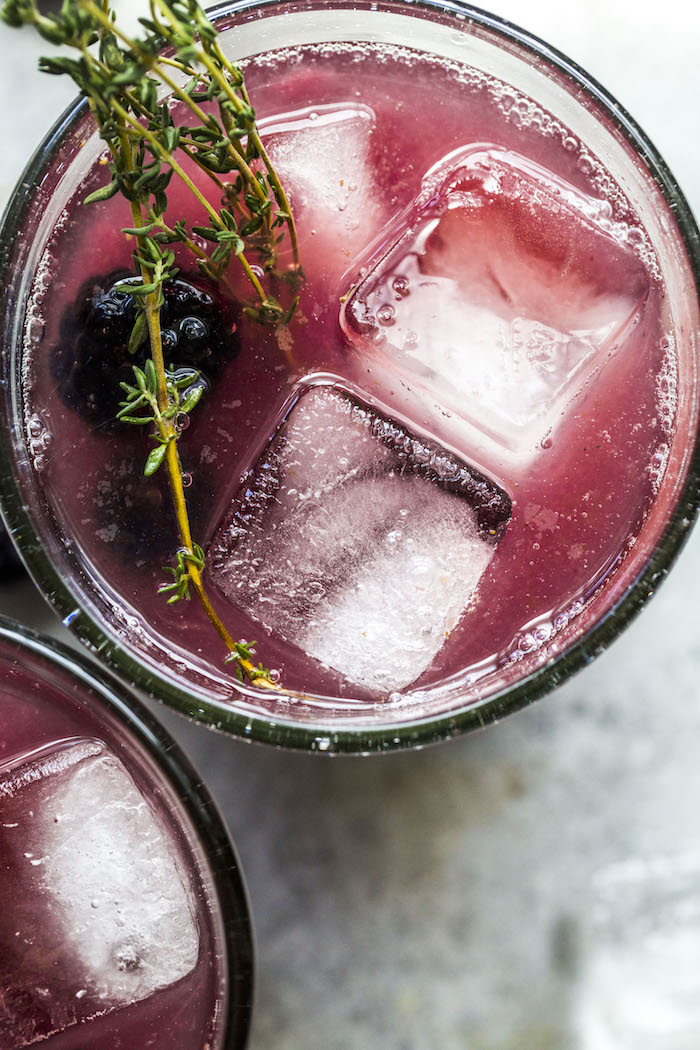 Blackberry Thyme Margarita | thealmondeater.com