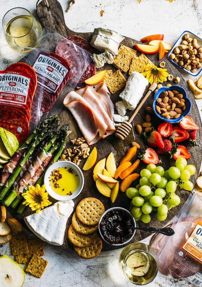 summer charcuterie board | thealmondeater.com