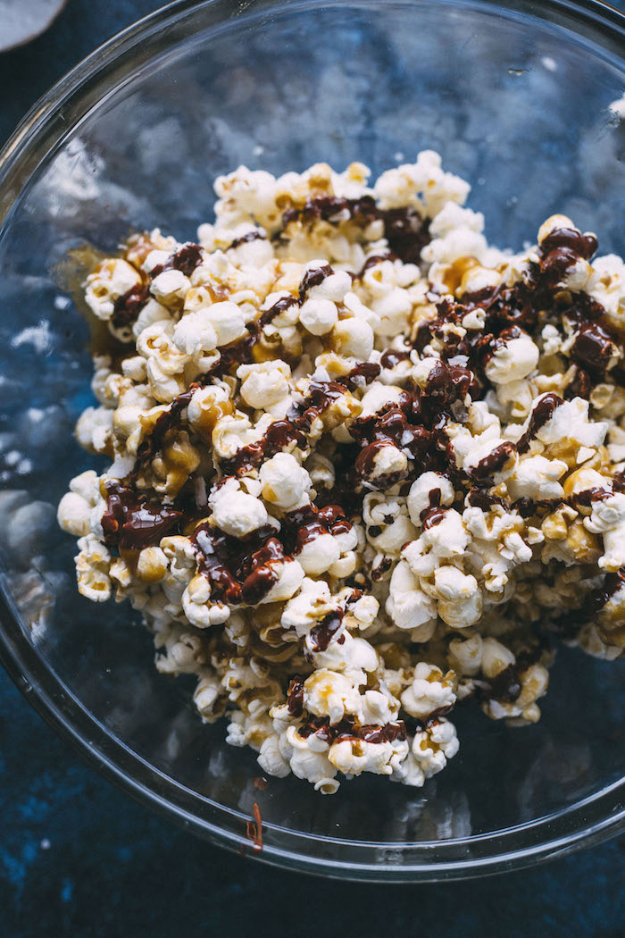Vegan SAMOA Popcorn made with a healthier caramel sauce+dark chocolate