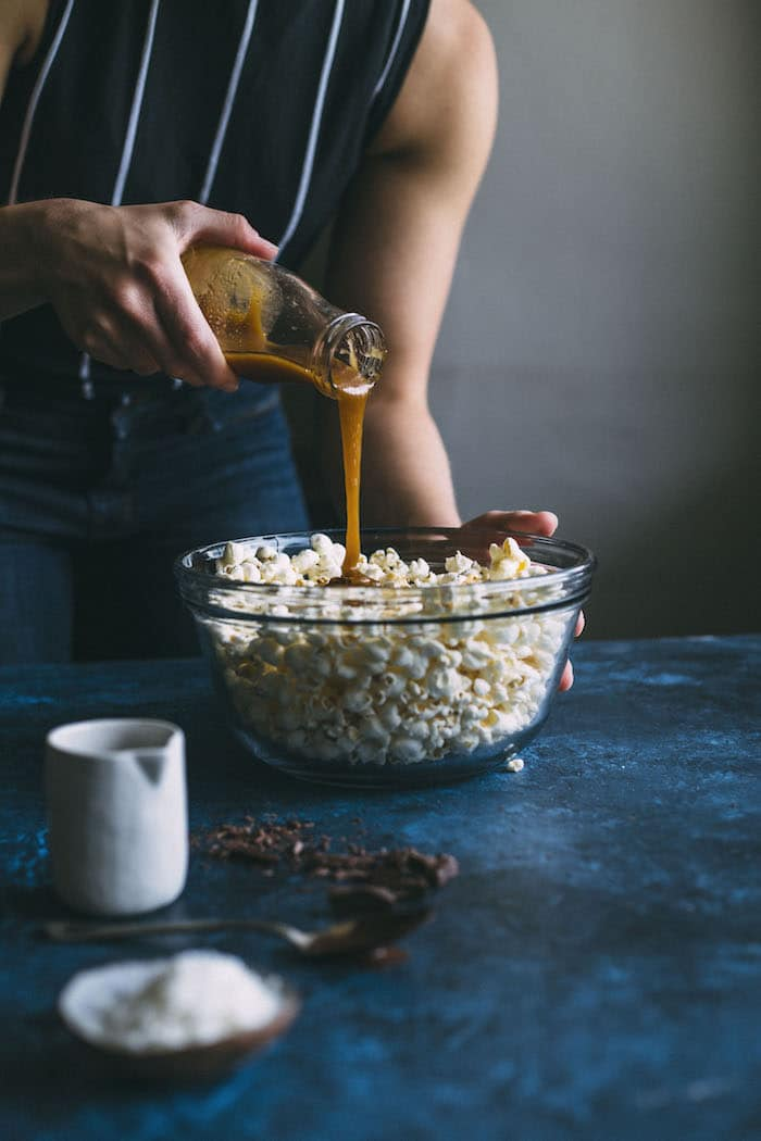 vegan samoa popcorn | thealmondeater.com