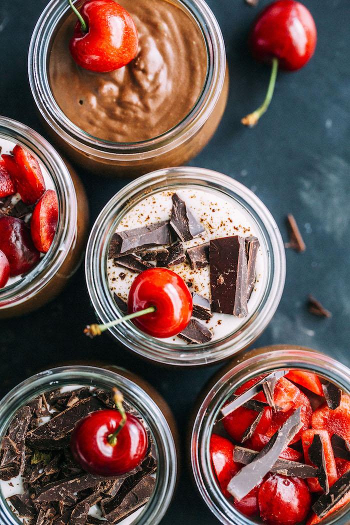 vegan espresso mousse made with coconut milk, espresso powder and fresh cherries | #vegan