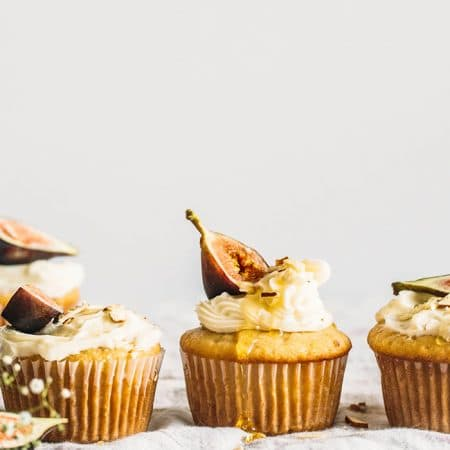 Vegan Almond Cupcakes | thealmondeater.com
