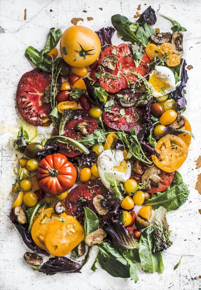 Heirloom Tomato Breakfast | thealmondeater.com | #dairyfree