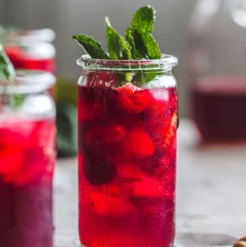 Raspberry Hibiscus Iced Team with mint and honey | thealmondeater.com