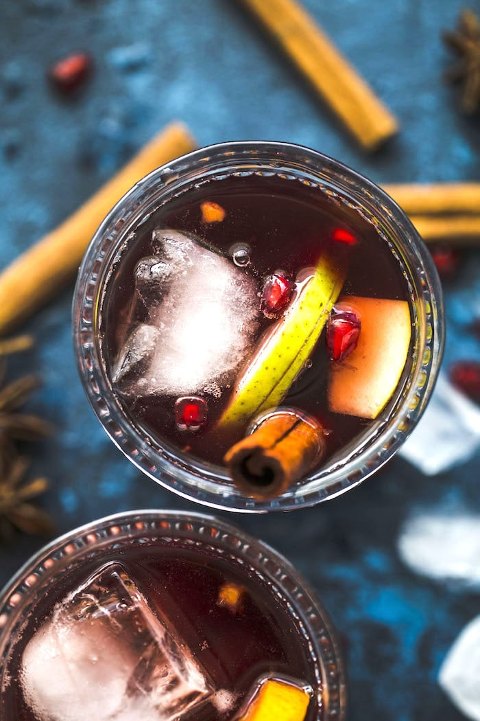 Spiced Pear Sangria | thealmondeater.com