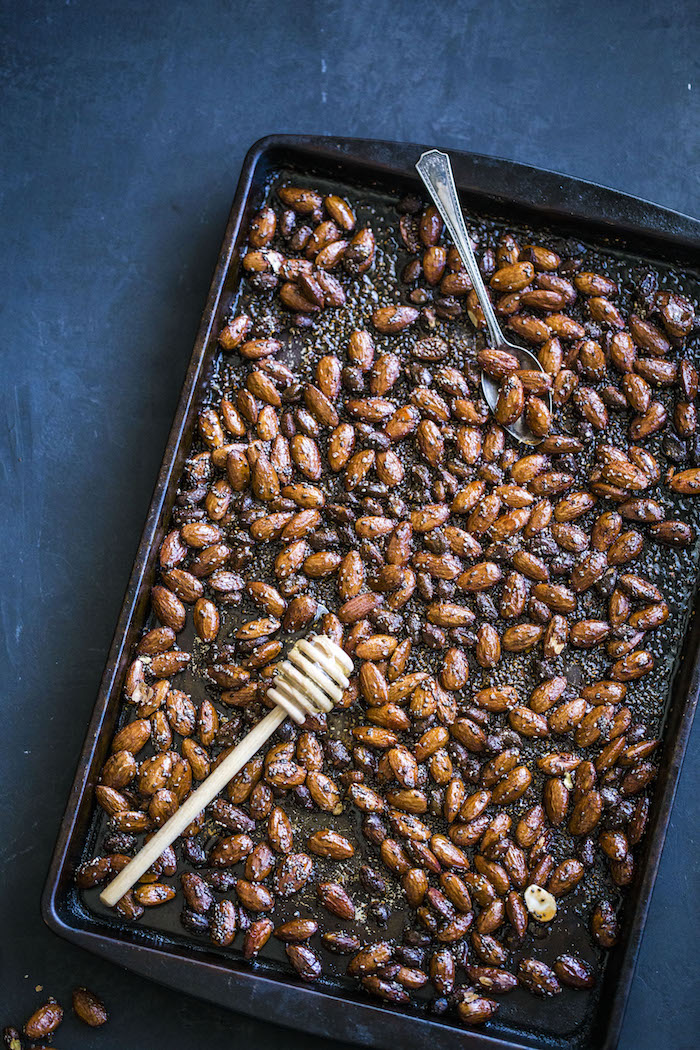 Honey Sriracha Roasted Almonds with chia seeds | thealmondeater.com