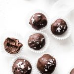 chocolate peppermint truffles | thealmondeater.com