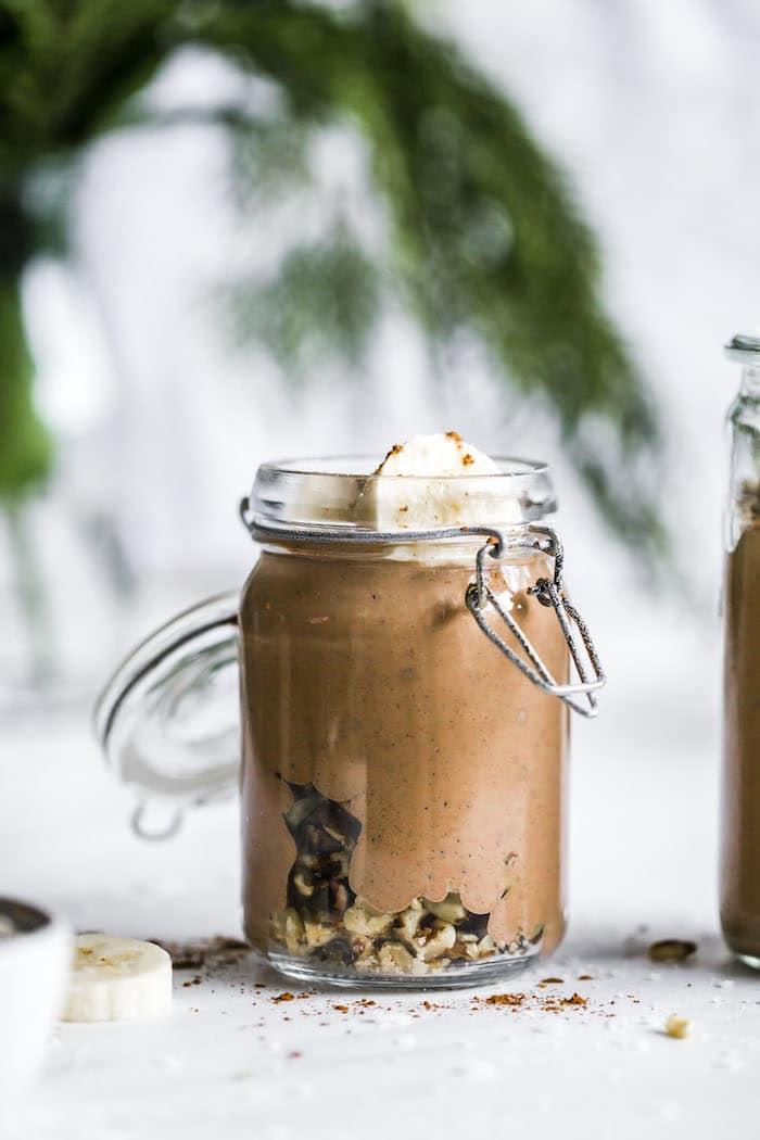 Chocolate Walnut Smoothie | thealmondeater.com
