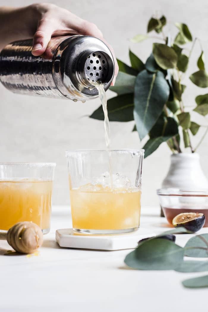 Fresh Fig Margarita | thealmondeater.com