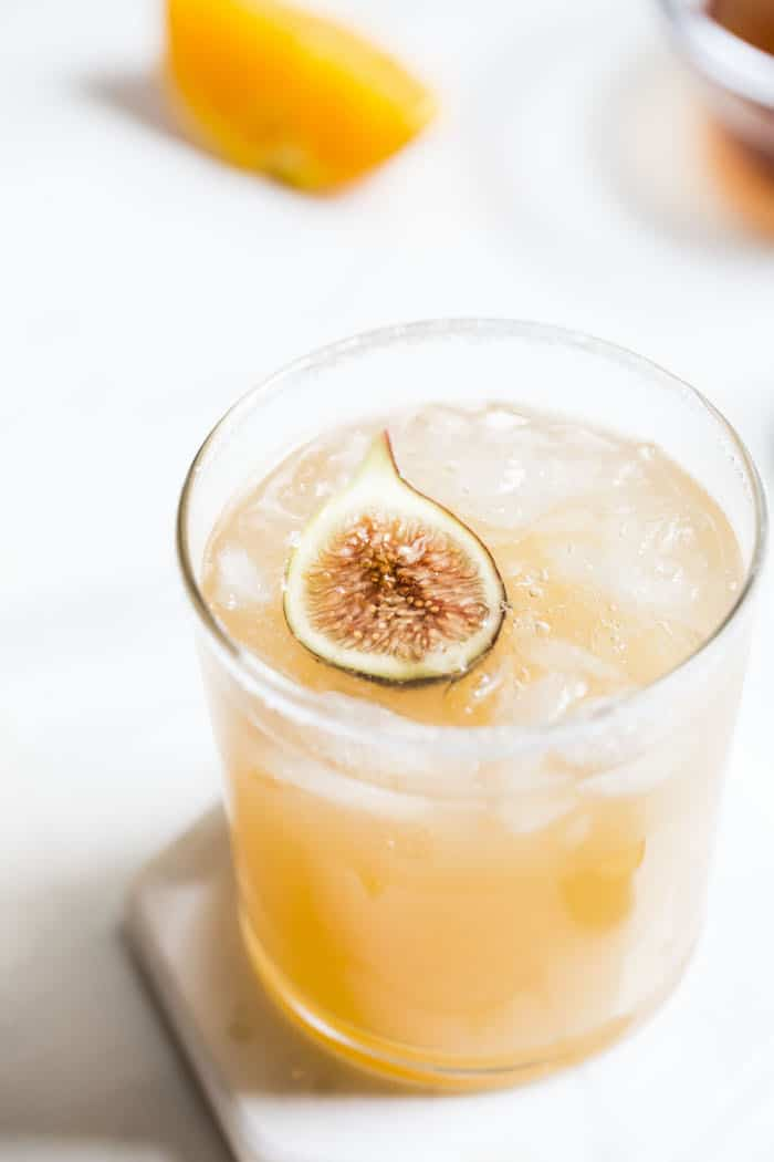 Fresh Fig Margarita | thealmondeater.com