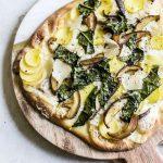 Cheesy Potato Mushroom Naan Pizza | thealmondeater.com
