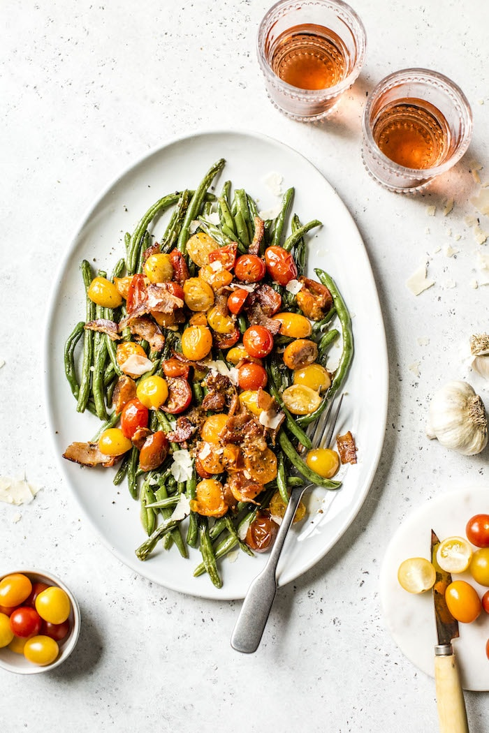 Tomato Bacon Green Bean Salad | thealmondeater.com