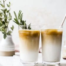 Iced Vanilla Rosemary Latte | thealmondeater.com