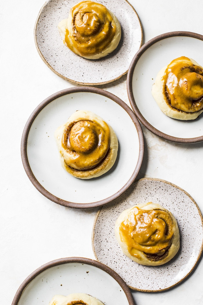 Pumpkin Spice Latte Cinnamon Rolls | thealmondeater.com