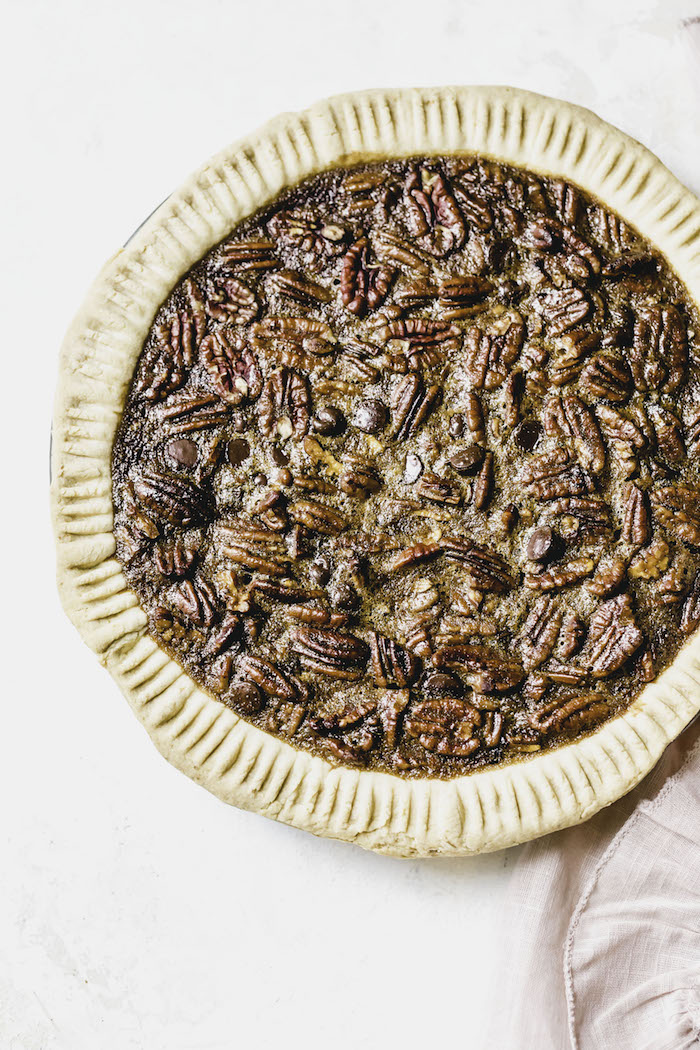 Chocolate Chip Pecan Pie | thealmondeater.com