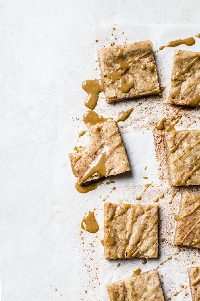 Dirty Chai Blondies | thealmondeater.com