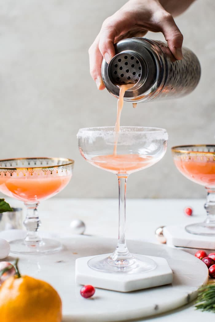 Cranberry Orange Cocktail | thealmondeater.com