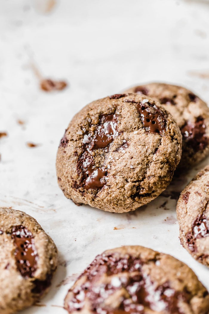 Healthy Molasses Chocolate Chip Cookies | thealmondeater.com