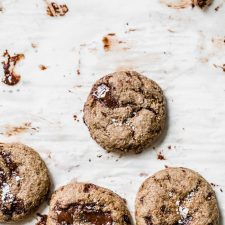 Healthy Molasses Chocolate Chip Cookies made with whole wheat flour, coconut oil and maple syrup | thealmondeater.com