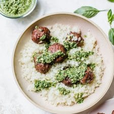 Baked Paleo Meatballs with Kale Pesto -- a complete #whole30 meal! | thealmondeater.com